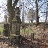 Svinov - socha sv. Jana Nepomuckého | zdevastovaná socha sv. Jana Nepomuckého - duben 2013