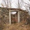 Luka - židovský hřbitov | zdevastovaný objekt bývalé márnice - listopad 2009
