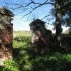 Luka - židovský hřbitov | pozůstatek hlavní brány v jižní zdi hřbitova - září 2013