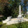 Boží Dar - pomník obětem 1. světové války | boční strana pomníku obětem 1. světové války v Božím Daru po rekonstrukci - říjen 2013