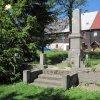 Boží Dar - pomník obětem 1. světové války | pomník obětem 1. světové války na náměstí v Božím Daru před poslední rekonstrukcí - květen 2011