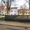 Žlutice - kamenná kašna | velká kamenná kašna na Velkém náměstí ve Žluticích - prosinec 2009