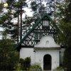 Třídomí - kaple | bývalá kaple sloužící jako vstupní předsíň rekreační chaty u Třídomí - červenec 2003
