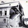 Žlutice - měšťanský dům čp. 142 | necitlivé budování novodobého průchodu při Karlovarské ulici v pravé části domu čp. 142 v roce 1963