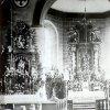 Louka - kostel sv. Václava | interiér farního kostela sv. Václava po novém zasvěcení postranních oltářů na historické fotografii z počátku 20. století