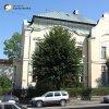 Cheb - Kreuzingerova lidová knihovna | jižní průčelí budovy městské knihovny V Chebu před celkovou rekonstrukcí - srpen 2008 (foto NPÚ Loket)