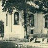 Louka - pomník obětem 1. světové války | pomník obětem 1. světové války u kostela sv. Václava na návsi ve vsi Louka (Grün) na výřezu z pohlednice z roku 1938