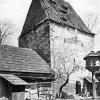 Pomezná - tvrz | zchátralá věž gotické tvrze na počátku 20. století
