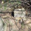 Borek - Schmolkův kříž | základová deska bývalého podstavce Schmolkova kříže tvořená plochými svorovými kameny - duben 2016