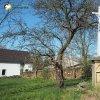 Semtěš - Modlův kříž | přední strana zchátralého pseudogotického kříže nazývaného Modlův kříž ve vsi Semtěš - duben 2016