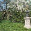 Chlum - Švédský kříž | přední strana obnoveného Švédského kříže při silnici z Chlumu na Novosedly po celkové rekonstrukci - duben 2016