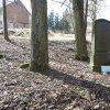 Bohuslav - pomník obětem 1. světové války | přední strana zchátralého pomníku obětem 1. světové války na neudržované návsi ve vsi Bohuslav - březen 2018
