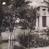 Krásné Údolí - pomník obětem 1. světové války | pomník obětem 1. světové války v Krásném Údolí na hostorické fotografii z doby kolem roku 1935