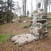 Poutnov - památník obětem 1. světové války | centrální kamenná mohyla památníku obětem 1. světové války po částečné rekonstrukci - duben 2014