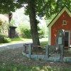 Oldříš - pomník obětem 1. světové války | pomník obětem 1. světové války před vstupním průčelím obecní kaple v Oldříši po částečné renovaci - červen 2017