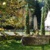 Jakubov - pomník obětem 1. světové války | vyzděná taresa pod pomníkem obětem 1. světové války v zahradě bývalé národní školy v Jakubově - říjen 2013