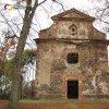 Verušičky - kaple Nejsvětější Trojice | vstupní průčelí kaple Nejsvětější Trojice - listopad 2009