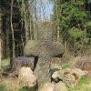 Nivy - smírčí kříž | smírčí kříž v lese u vsi Nivy - duben 2011