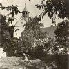 Mariánská - kostel Nanebevzetí Panny Marie | hlavní průčelí poutního kostela z klášterní zahrady v době před rokem 1945