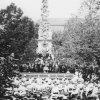 Žlutice - sloup se sousoším Nejsvětější Trojice | trojiční sloup ve Žluticích po obnově v roce 1905