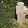 Krásný Jez - smírčí kříž | znovuvztyčený kamený smírčí kříž v osadě Krásný Jez - září 2016