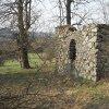 Tocov - kaple Nejsvětější Trojice | torzo kaple Nejsvětější Trojice u Tocova od severovýchodu - duben 2019
