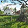 Radyně - pomník obětem 1. světové války | zachovalý pomník obětem 1. světové války na návsi v Radyni - květen 2017