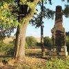 Dlouhá - pomník obětem 1. světové války | znovuvztyčený pomník obětem 1. světové války na návrší Heinberg nad zaniklou vsí Dlouhá - říjen 2018