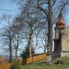 Chlum - kostel sv. Jiljí | hlavní západní průčelí zchátralého kostela sv. Jiljí ve vsi Chlum - duben 2016