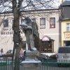 Toužim - sloup se sochou Panny Marie (Madona) | socha sv. Jana Nepomuckého - únor 2011