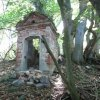 Valeč - Hoppova kaple | zdevastovaná Hoppova kaple na Kalvarienbergu - září 2013