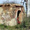 Kovářov - kaple   zchátralá kaple u Kovářova na počátku 21. století