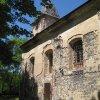 Lochotín - kostel Nanebevzetí Panny Marie | jižní průčelí zdevastovaného kostela - červen 2011