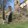 Kozlov - sousoší Nejsvětější Trojice | neudržované přístupové shodiště ke kostelu Nanebevzetí Panny Marie - duben 2013