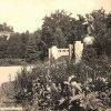 Karlovy Vary - pomník Ludwiga van Beethovena | Beethovenův pomník s Imperialem v pozadí v roce 1941