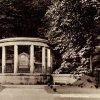 Karlovy Vary - pomník Friedricha Schillera | pomník Friedricha Schillera na pohlednici z roku 1936
