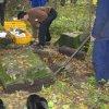 Svatobor - socha sv. Jana Nepomuckého | vykopávání základové části podstavce plastiky - říjen 2007