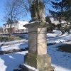 Močidlec - sousoší Nejsvětější Trojice | zchátralé sousoší Nejsvětější Trojice - únor 2011