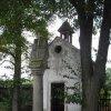 Nejda - sloup se sousoším Nejsvětější Trojice   sloup se sousoším Nejsvětější Trojice před kaplí sv. sv. Jana Nepomuckého v Nejdě - září 2009