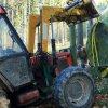 Žlutice - pomník Friedricha Ludwiga Jahna | znovuosazení vrcholového kamenného bloku - říjen 2013 (foto Jan Borecký)