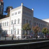 Karlovy Vary - Lázeňský dům (Lázně III)