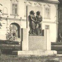 Žlutice - pomník osvobození