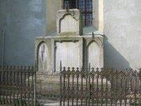 Hroznětín - sousoší Panny Marie, sv. Alžběty a sv. Maxmiliána |