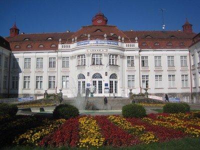 Karlovy Vary Alžbětiny L 225 Zně L 225 Zně V Pam 225 Tky A