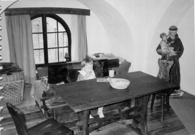 vnitřní prostrory bývalého kostela po úpravě na obytný objekt (chatu)
