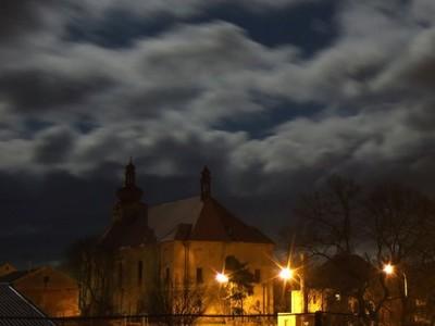 4. místo: M. Irovský (OS na záchr. kostela sv. Anny) - Kostel sv. Any v Sedleci před noční bouřkou (2008) - 49 hlasů