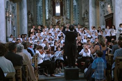 rok 2005 - M. Bok: Misa Solemnis - jeden z největších koncertů v sedleckém kostele za účasti 150 účinkujících