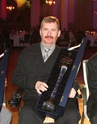 rok 2010 - předseda sdružení Alois Kůrka při přebírání ceny Osobnost roku 2010