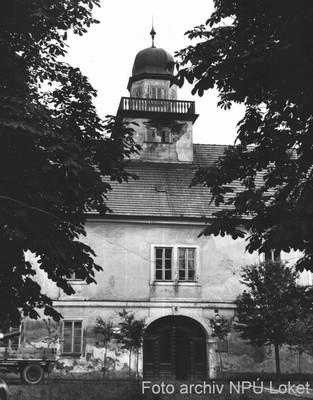 severní průčelí zámku v 70. letech 20. století