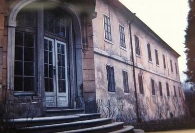 hlavní jižní průčellí zámecké budovy koncem 20. století